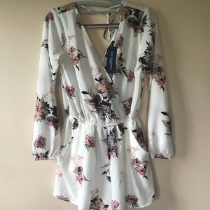 One clothing LA Xs floral romper